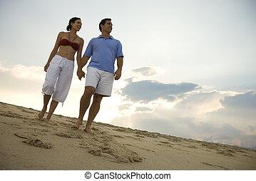 下方に, 恋人, 浜。, 歩くこと