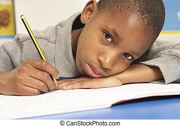 不幸, 男生徒, 勉強, 中に, 教室