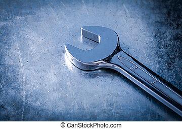 不鏽純潔, 扳手, 猛扭, 上, 抓, 金屬, 背景, 關閉