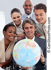 世界的である, インターナショナル, 拡大, ビジネス, グループ, 微笑, オフィス