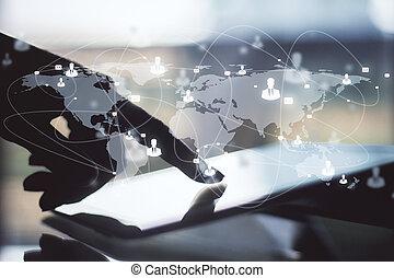 世界的である, 概念, ネットワーク