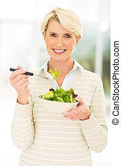 中央, 食べること, 女, 年を取った, サラダ