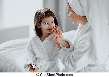 中年, 気持が良い, 彼女, 娘, マスク, バスローブ, かわいい, 母, わずかしか