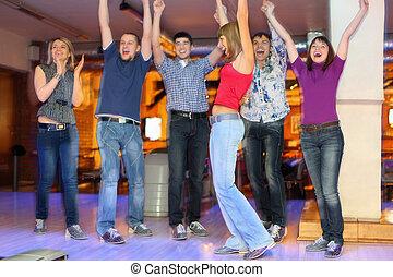 中心, 成功, 举起, 手, 女朋友, 投掷, 高兴, 向上