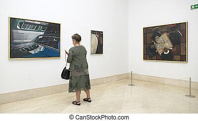 中, 女, 博物館