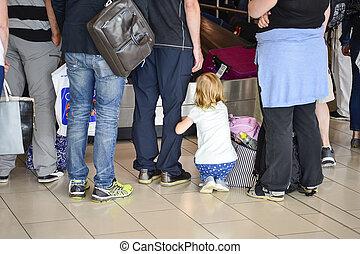 乗客, 空港, キプロス, コンベヤー, 手荷物, 6月, 空港, larnaca, 待つこと, blurry., 2017., ベルト