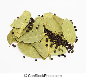 乾燥, 海灣 葉子, 以及, 黑色的胡椒, 被隔离, 在懷特上