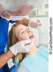予定される, 彼女, 歯医者の, の上, 点検, 持つこと