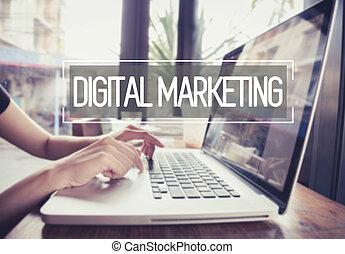 事務, 手, 鍵入, 上, a, 膝上電腦 鍵盤, 由于, 數字, 銷售, 在網上, 主頁, 上, the, 計算机屏幕, 戰略, 在網上, 媒介, concept.