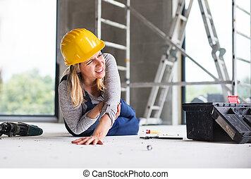 ∥, 事故, の, a, 女, 労働者, ∥において∥, ∥, 建設, サイト。