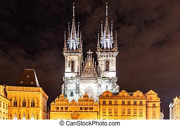 二, 哥特式, 塔, ......的, 教堂, ......的, 我們, 夫人, 以前, tyn, 在, 古老的城鎮廣場, 所作, night., 布拉格, 捷克共和國