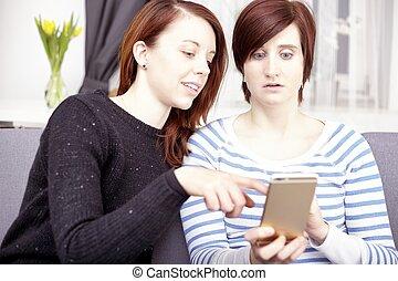 二, 年轻女孩, 带, 聪明, 电话