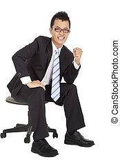 亞洲人, 年輕, 商人, 坐, 上, the, 椅子, 以及, 被隔离, 在懷特上