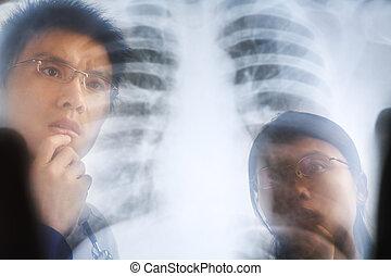 亞洲人, 醫生, 檢查, xray, 消極