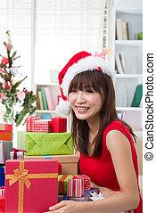亞洲的女孩, 圣誕節慶祝, 在, 她, 家