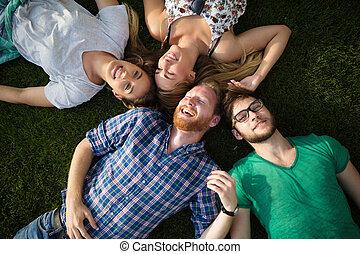 人々のグループ, 草 に あること