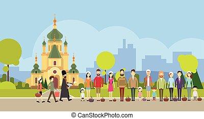 人々, グループ, 立ちなさい, ライン, 司祭, 祝福, イースターバスケット, 教会, consecrate,...