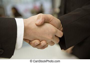 人々, 動揺, 2つの手