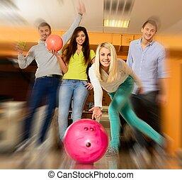 人々, 遊び, 若い, ボウリング, 微笑, 4, グループ