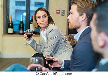 人々, 3, ワイン, サンプリング