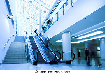 人群, 上, 電動扶梯