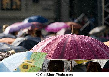 人群, ......的, 人們, 由于, 傘