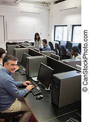 人, 中に, コンピュータクラス