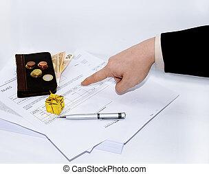 人, 寫, a, 鋼筆, 上, an, 稅, document.