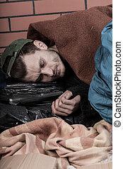 人, 投石される, 若い, ホームレスである