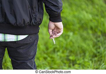 人, 由于, 香煙, 在, 戶外