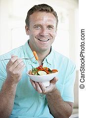 人, 食べること, 中央の, サラダ, 成人