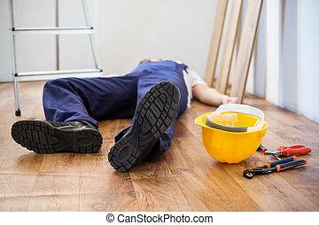 仕事で, 傷害, の, 1(人・つ), 労働者, ただ, 落ちている, から, a, はしご