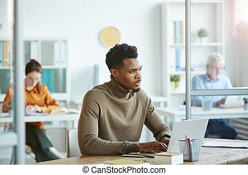 仕事, アフリカ, オンラインで, オフィス, ビジネスマン