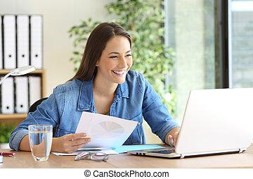 仕事, オンラインで, 企業家, 比較, 文書