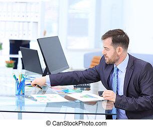 仕事, モニター, オフィス, 見る, コンピュータ, 従業員, の間, 日