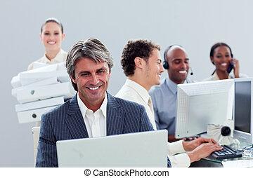 仕事, 肖像画, 微笑, ビジネス チーム