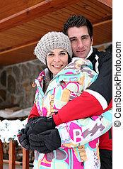 他們, 夫婦,  chalet, 冬天, 擁抱