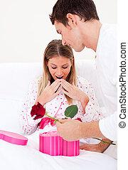 他的, 丈夫, 妻子, 給, 明亮, 禮物