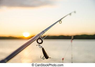 以前, 傍晚, 湖捕魚