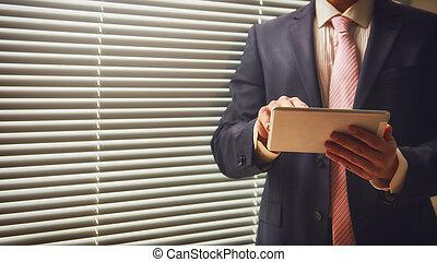 企業家, 上に働く, デジタルタブレット
