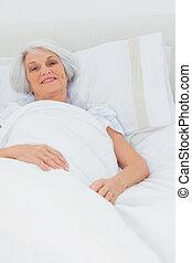 休む, 女 ベッド