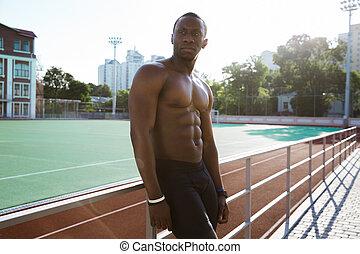 休む, 疲れた, 運動選手, 若い, アフリカの男