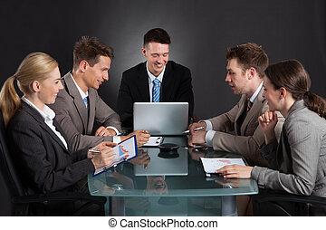 会議の会合, 事業を論じる, 人々