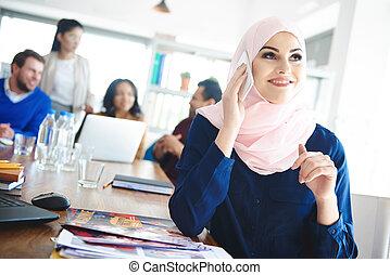 会議, 女性ビジネス, 上に, muslim, 電話