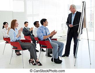会議, 拍手喝采する, 端, ビジネス 人々