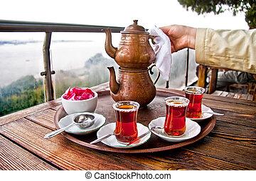 伝統的である, お茶, 飲むこと, 友人, トルコ語
