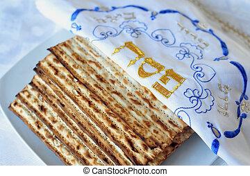 伝統的である, ユダヤ人, matzo, シート, 上に, a, 過ぎ越しの祝い, seder, テーブル。,...
