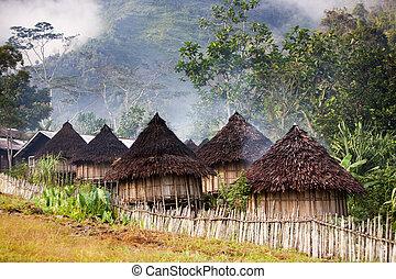 伝統的である, 山の村