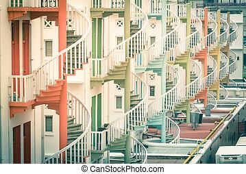 伝統的である, 階段, 店, 家, カラフルである, らせん状に動きなさい, 虹, シンガポール