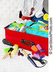 何か, 女, luggage., 個人的, 旅行, 休暇, ホリデー, 準備, belongings., 海, スーツケース, resort:, concept., パックされた, パック